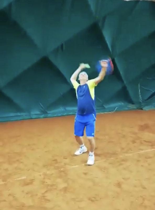 tenisové podání